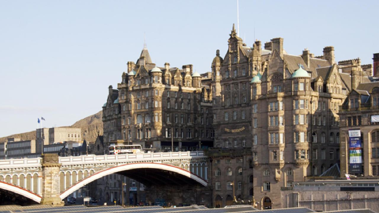 """Résultat de recherche d'images pour """"edinburgh   North Bridge"""""""