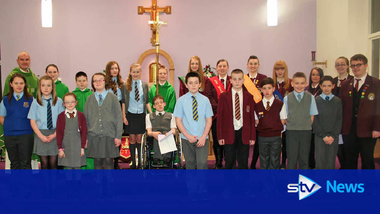 Cake Decorating Classes Dundee : Taylor High School pupils provide musical liturgy