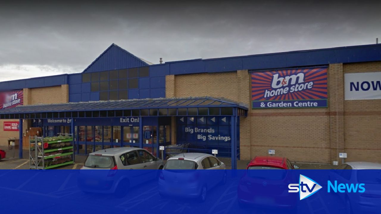 seven women in car park brawl outside b m superstore. Black Bedroom Furniture Sets. Home Design Ideas