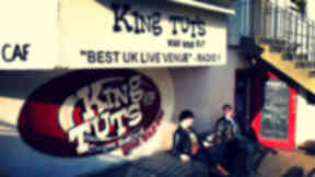 885-king-tuts-wah-wah-hut