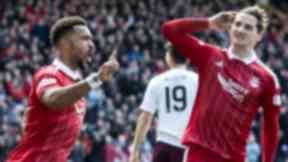 Shay Logan, Aberdeen celebrate, March 2017