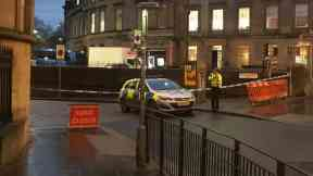 Alert: Roads closed by police. Edinburgh Castle Bomb Disposal