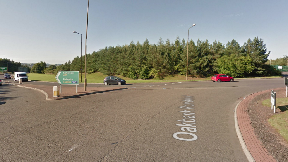 A71: Traffic warning for motorists near Oakland roundabout.