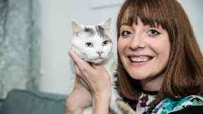 Cat that saved owner's life during blood clot episode wins posthumous award