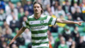 Mikael Lustig head and shoulders for Celtic