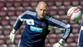 Peter Enckelman in action for Hearts.