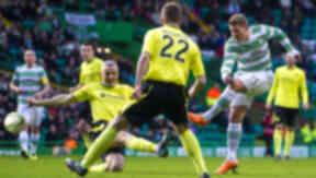 Kris Commons scores for Celtic against St Mirren.