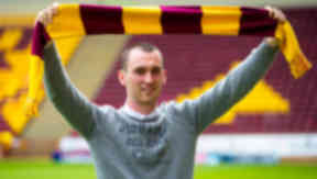 Joe Chalmers signs for Motherwell, June 2015