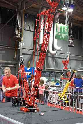Steve West from Forfar built a Leiper LR1600 crane for his first event.