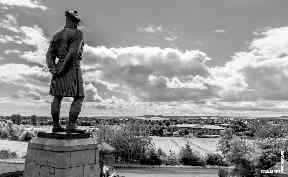 Memorial: A Black Watch soldier looks over Dundee.