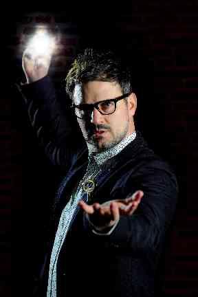 Magician Kevin Quantum.