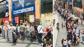 Bear chaos: Long queues outside Livingston store