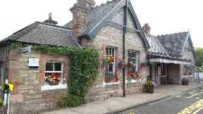 Aberdour Station: Best small station in Britain.