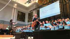Opening event: Fran Healy with community choir.