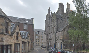 Sciennes House Place: Woman targeted by robbers.