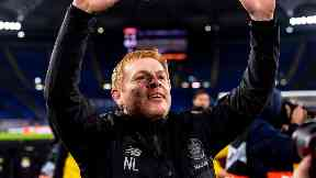 Neil Lennon salutes the Celtic supporters after beating Lazio.
