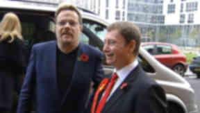 Eddie Izzard campaigns for Labour