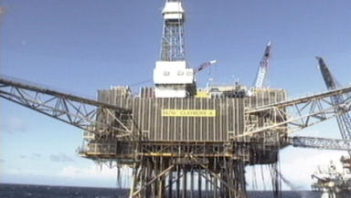 Oil Platform: Claymore closed down over safety fears.