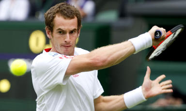Andy Murray prepares a backhand against Nikolay DAVYDENKO in Wimbledon 2012