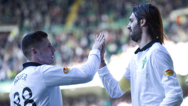 Celtic's Georgios Samaras (right) celebrates his goal with team-mate Gary Hooper