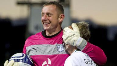 Rab Douglas, Dundee, Leigh Griffiths, Hibs, November 2012.