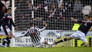 Steven Thompson (9) slides in to put St Mirren ahead