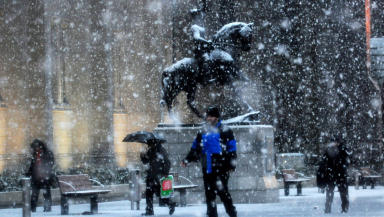 Snow in Aberdeen, winter weather snowy blizzard January 2012 Quality news image #wintergeneric #weathergeneric