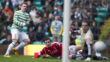 Celtic midfielder Kris Commons scores the fastest ever SPL goal.