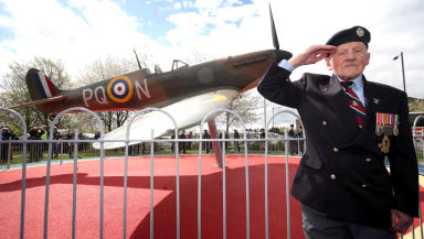 "John ""Dinger"" Bell unveils the Spitfrie replica memorial to 71 pilots who died during training in Grangemouth for World War Two"