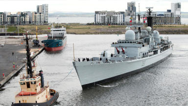 HMS Edinburgh arrives for her final ever visit to her namesake city, as she is due to retire from service. The last Type 42 destroyer, will be moored next to Ocean Terminal in Leith until 21st May. 15/05/13