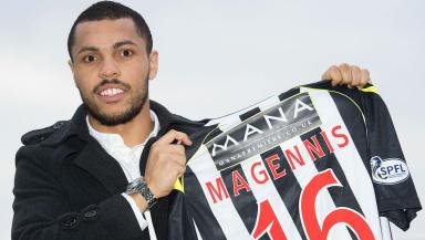 Josh Magennis has joined St Mirren on loan from Aberdeen.