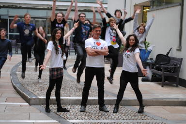 Scottish Youth Theatre: Glasgow firm may seek national company status.