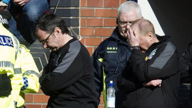 Hibernian manager Pat Fenlon (left)