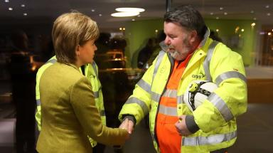 Forth Bridge: First Minister meets engineer Robert McCulloch.