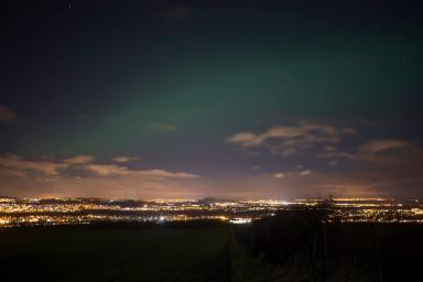 Aurora: Taken from a country road between Gorebridge and Mayfield.