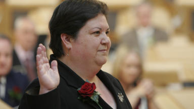 Jackie Baillie: Figures are 'nail in the coffin' for health service pledge.