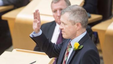 Willie Rennie: Sworn in to parliament