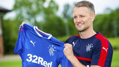 Clint Hill: Veteran defender signed a one-year deal.