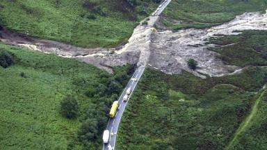 A86: A landslide stranded motorists on the road in 2004.