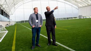 New facility: Steven Anderson of sportscotland, right, shows Hibs manager Neil Lennon around.