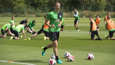 Celtic's Jozo Simunovic is on the verge of joining Torino.