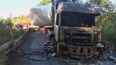 Blaze Rips Through Lorry Carrying Huge Wind Turbine Blade