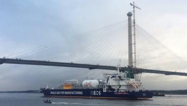 Arrival: The tanker going under the new Queensferry Crossing.