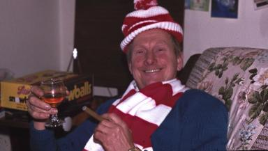 Fraser's father often got a cigar and too many socks for Christmas.
