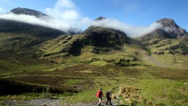 Three Sisters: Mountain range in Glencoe Valley.