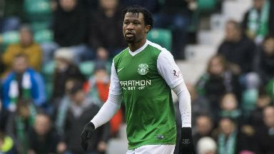 Efe Ambrose is staying at Easter Road.