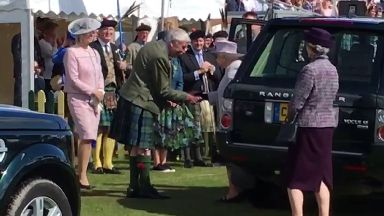 Queen makes surprise appearance at Aboyne Highland Games on 05/08/2017