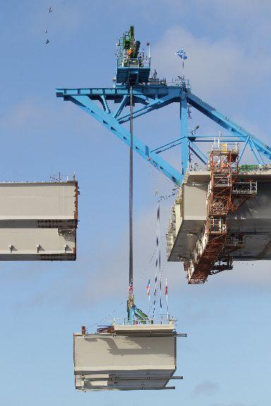 The bridge used a massive 150,000 tonnes of concrete.