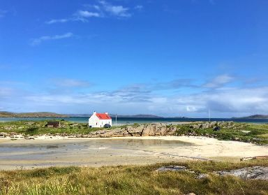 Blue skies and aquamarine waters on Barra.