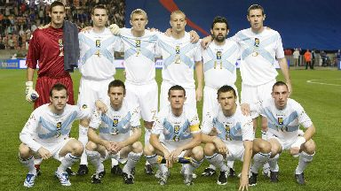 The starting line-up in Parc des Princes on September 12, 2007.